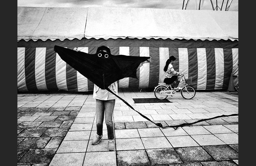 Korean street photographer chulsu kim takes over emaho instagram handle blog emaho magazine